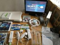Wii Consol 8 Games/2Controllers etc