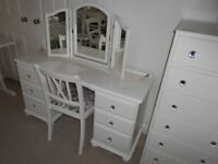 DRESSING TABLE TRIPLE MIRROR & CHAIR PAINTED COUNTRY WHITE