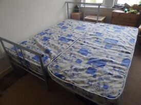Single bed with guest pull out . Smoke & pet free home