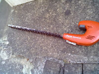 Flymo Sabrecut Hedge Trimmer with Battery Pack-Roundhay Park Leeds Can Deliver