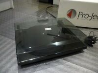 Project Pro-ject Esssential 2 Black turntable / record deck - as new & boxed