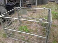 Animal carrier/ stock cage