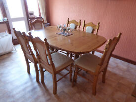 Extendable Pine Dining Room Table - Price Reduced !