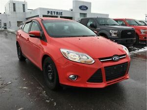 2013 Ford Focus SE - HEATED SEATS, WINTER TIRES