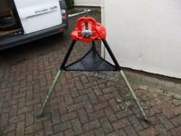 RIDGID 40A PORTABLE TRISTAND YOKE VICE WITH 3-60MM CAPACITY IN AS NEW CONDITION £200