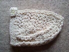 Baby bonnet. New born . Cotton style wool.