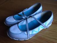 Shoes sketchers size 8