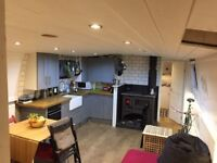 Boat - Double Ensuite Room in large widebeam canal boat - all bills incl