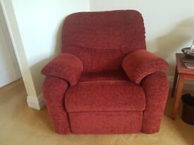 G-Plan 1 x3 seat settee, 1 motorised recliner , 1 manual recliner , good condition, fire label