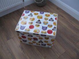 Emoji fold away toy / storage box