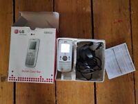 LG 02 Mobile Phone