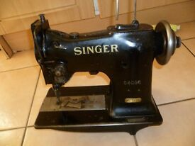 SINGER COMPOUND NEEDLE FEEDWALKING FOOT SEWING MACHINE 151W2