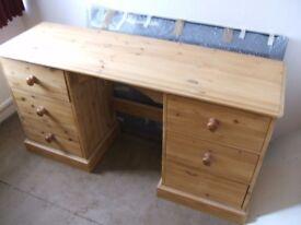 wooden pine desk/table