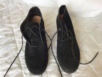 Woman's Clark's black suede active air shoes