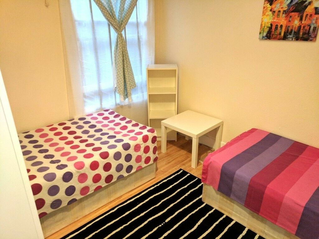 TWIN / DOUBLE ROOM ♣ SEVEN SISTERS