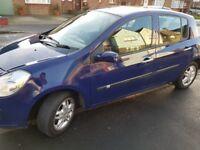Renault Clio automatic 1.6 petrol low mileage 27k