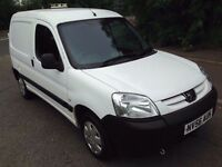 L@@K 2007 Peugeot Partner Van **11 MONTHS MOT**Side Door/a Roof Vent**Ideal for dog courier/groomer*