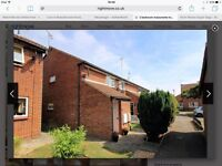 2 bedroom flat with open plan kitchen and all the white goods included