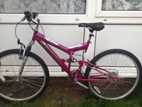Quick sale!! EXcellent Bicycle . Everything works .£30 ONO