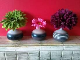 3 x vases