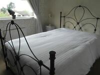 DOUBLE ORNATE METAL BED FRAME IN EXCELLENT CONDITION