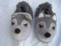 "Marks & Spencer Brand New Mens/Boys Novelty ""Wolf"" Slippers, size 7"