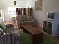Room to rent Monday to Friday only. Large dbl room with king size bed dining area kitchen & bathroom