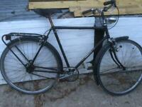 BLACK AMSTERDAM STYLE MENS BIKE FOR SIMPLE REFURB.