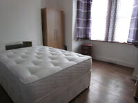 NEWHAM DOUBLE ROOM AVAILABLE FOR RENT**** LESS DEPOSIT REQUIRED*** ( E6 1NZ
