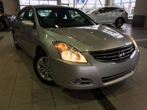 2012 Nissan Altima 2.5 S (CVT) | Keyless Ignition | Heated Seats