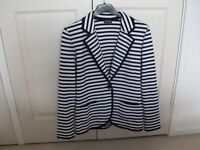 BLACK/WHITE STRIPED GERRY WEBBER JACKET