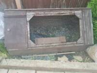 Small rabbit/guinea pig hutch