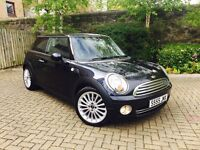 MINI 1.6 COOPER 2007 PRIVATE PLATE INCLUDED IN SALE MINT COND IN AND OUT RED LEATHER AUX PRIV GLASS