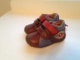 Boy toddler size 4 shoe