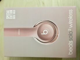 Beats Solo 2 Wireless Headphones Rose Gold
