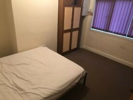 EXCELLENT DOUBLE ROOM FREE WIFI ALL BILLS INCLUDING
