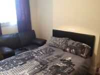 (3 month let) spacious room to rent in house (no deposit )