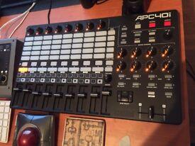 Akai apc40 mk2 DJ/midi controller-perfect for ableton, traktor etc. AS NEW
