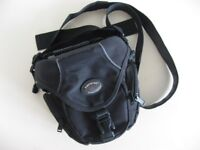 TAMRAC DIGITAL CAMERA BAGS/CASES IN EXCELLENT CONDITION £5 & £4