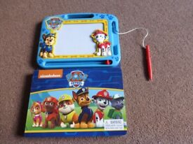 Paw Patrol Magnetic drawing board and story book