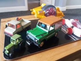 BRITAINS LANDROVER COUNTY plus extras matchbox