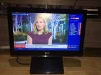 **LG**22 INCH HD LCD TV**WITH INTEGRATED DVD PLAYER AND FREEVIEW**MODEL: STX-P37X10B**NO OFFERS**USB