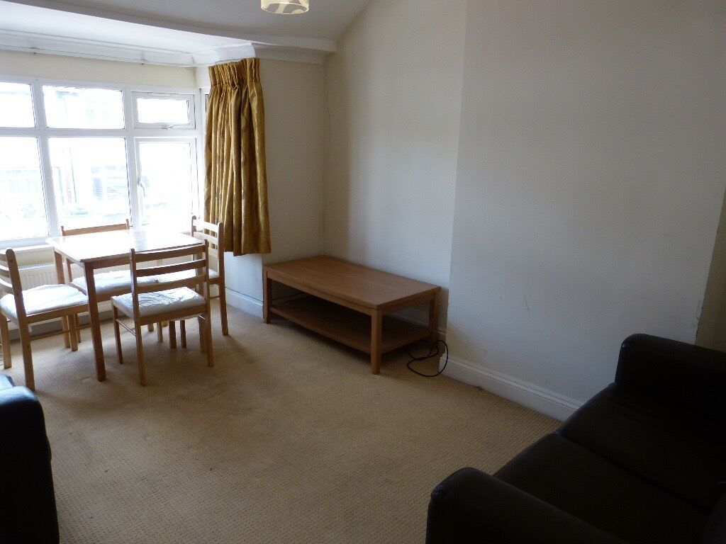 ONE BEDROOM FLAT TO LET IN GOLDERS GREEN