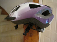 EXCELLENT CONDITION Girls bike helmet 49 - 54 cms with 6 red LED lights on rear.