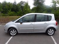 Silver Renault Grand Modus, 5 doors , automatic, 1.6 , 2008