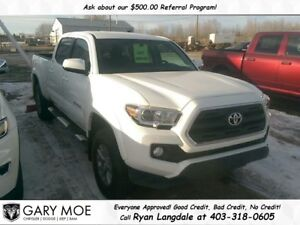 2016 Toyota Tacoma SR5 V6 **LOW LOW KMS**