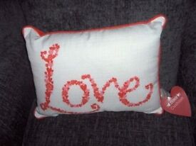 CUSHION LOVE RED/CREAM PINK BNWT APPROX 40CM X30CM oblong