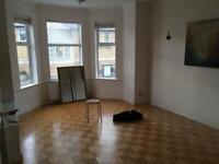 3 bedroom flat in Ballards Lane, North Finchley