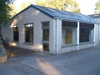 Business premises office/storage near Elgin.