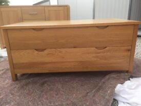 Oak bedroom furniture - trunk / wardrobe